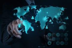 Hombre de negocios que trabaja con la nueva red moderna del social de la demostración de ordenador imagen de archivo libre de regalías
