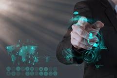Hombre de negocios que trabaja con la nueva red moderna del social de la demostración de ordenador Foto de archivo libre de regalías