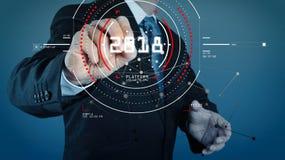 Hombre de negocios que trabaja con la nueva red moderna del social de la demostración de ordenador Foto de archivo