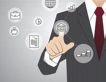 Hombre de negocios que trabaja con la tecnología virtual moderna, touchin de la mano Foto de archivo libre de regalías