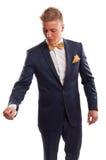 Hombre de negocios rubio con la corbata de lazo Imagenes de archivo