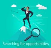 Hombre de negocios Searching para las oportunidades Fotografía de archivo libre de regalías