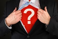 Hombre de negocios Showing Question Mark Symbol Fotografía de archivo libre de regalías