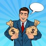 Hombre de negocios sonriente Holding Money Bags Arte pop libre illustration