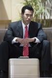 Hombre de negocios With Suitcase Fotografía de archivo