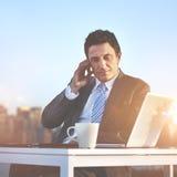 Hombre de negocios Telecommunication Wireless Concept del negocio Imagen de archivo