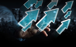Hombre de negocios usando la representación moderna digital de la flecha 3D Imagen de archivo