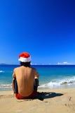 Hombre de Santa en la costa costa del Caribe Fotos de archivo libres de regalías