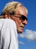Hombre de Tan Caucasian en gafas de sol Foto de archivo libre de regalías