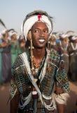 Hombre de Wodaabe que baila la danza de Yaake, Niger Foto de archivo libre de regalías