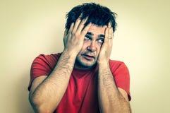 Hombre decepcionado en la depresión - estilo retro fotos de archivo libres de regalías