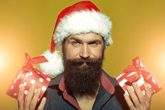 Hombre del Año Nuevo con los presentes Foto de archivo libre de regalías