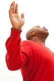 Hombre del afroamericano con los brazos abiertos Fotografía de archivo libre de regalías