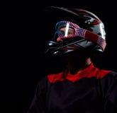 Hombre del ciclista en casco de la bicicleta Imagen de archivo