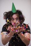 Hombre del confeti en partido Fotos de archivo