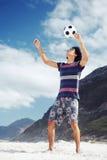 Hombre del fútbol de la playa Foto de archivo libre de regalías