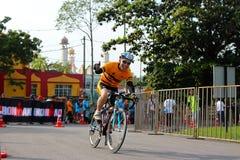 Hombre 2014 del hierro de Malasia el comienzo de la bici del 180km Foto de archivo libre de regalías