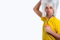 Hombre del hombre blanco con el secador de pelo fotos de archivo libres de regalías