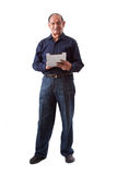 Hombre del indio del este que usa una tablilla digital del iPad Foto de archivo libre de regalías