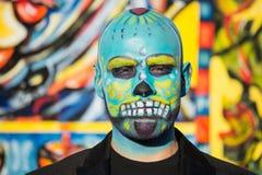 Hombre desconocido en el décimo quinto día anual del festival muerto Imagen de archivo