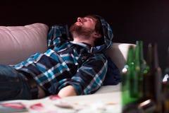 Hombre después de drogas fotografía de archivo