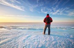 Hombre e invierno Fotografía de archivo