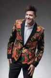 Hombre elegante en la chaqueta agradable Fotos de archivo libres de regalías