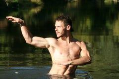 Hombre en agua. Foto de archivo libre de regalías