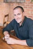 Hombre en camisa negra Imagen de archivo libre de regalías