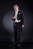 Hombre en capa de vestido Imagen de archivo