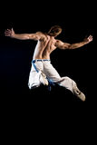 Hombre en el aire - salto Foto de archivo libre de regalías