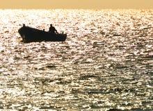 Hombre en el barco Fotografía de archivo