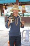 Hombre en el lago Tonle foto de archivo