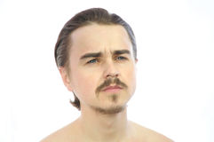Hombre en el pensamiento que mira lejos Imagen de archivo libre de regalías
