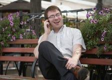 Hombre en el teléfono Imagenes de archivo