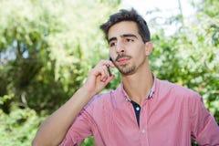 Hombre en el teléfono Fotografía de archivo libre de regalías