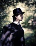 Hombre en hongo. foto de archivo