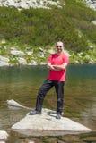 Hombre en la montaña Pirin Imagen de archivo libre de regalías