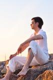 Hombre en la salida del sol Imagen de archivo libre de regalías