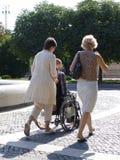 Hombre en la silla de rueda Foto de archivo