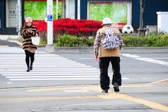 Hombre en la trayectoria de Blinde imágenes de archivo libres de regalías