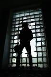 Hombre en negro fotografía de archivo libre de regalías