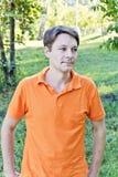 Hombre en ropa anaranjada Fotografía de archivo