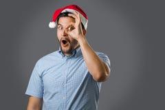 Hombre en sombrero rojo Imágenes de archivo libres de regalías