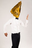 Hombre en triángulo de oro Fotografía de archivo