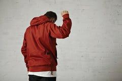 Hombre en un anorak rojo Imagen de archivo