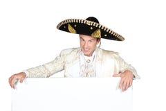 Hombre en un traje del mariachi Foto de archivo