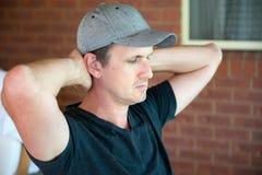 Hombre envejecido medio deprimido Fotos de archivo