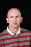 Hombre eyed azul ocasional Foto de archivo