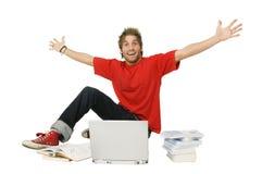 Hombre feliz con los brazos levantados Fotografía de archivo